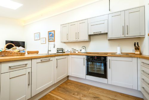 Upfront,up,front,reviews,accommodation,self,catering,rental,holiday,homes,cottages,feedback,information,genuine,trust,worthy,trustworthy,supercontrol,system,guests,customers,verified,exclusive,cossington park cottage,cossington park,cossington, bridgwater,,image,of,photo,picture,view
