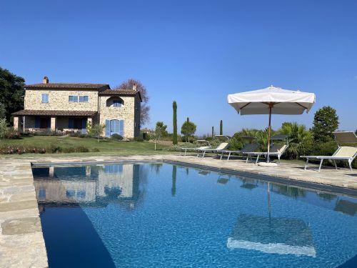Villa and Pool. Perfect Tuscan holiday