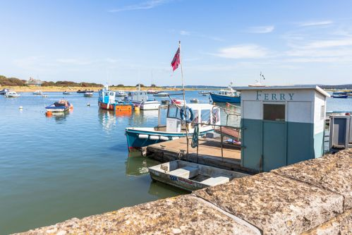 Upfront,up,front,reviews,accommodation,self,catering,rental,holiday,homes,cottages,feedback,information,genuine,trust,worthy,trustworthy,supercontrol,system,guests,customers,verified,exclusive,avocet,new forest escapes,keyhaven,,image,of,photo,picture,view