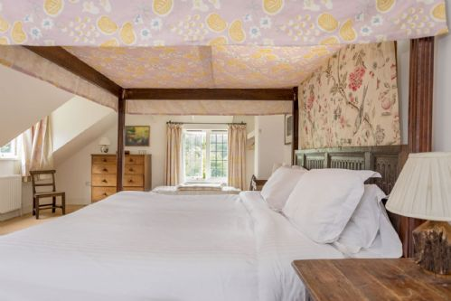 Upfront,up,front,reviews,accommodation,self,catering,rental,holiday,homes,cottages,feedback,information,genuine,trust,worthy,trustworthy,supercontrol,system,guests,customers,verified,exclusive,odd ways,new forest escapes,southampton,,image,of,photo,picture,view