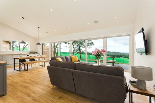 Upfront,up,front,reviews,accommodation,self,catering,rental,holiday,homes,cottages,feedback,information,genuine,trust,worthy,trustworthy,supercontrol,system,guests,customers,verified,exclusive,silver birch,gatehouse luxury lodges,castle douglas,,image,of,photo,picture,view