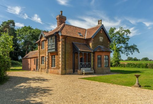 Keepers Cottage (M)