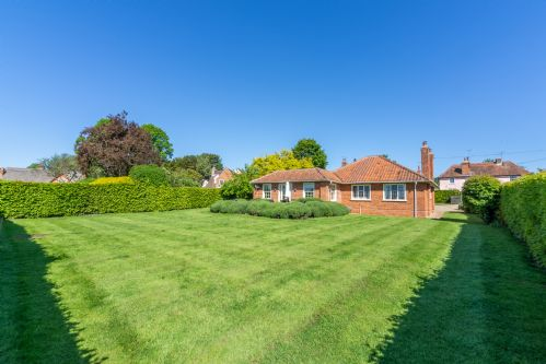 Upfront,up,front,reviews,accommodation,self,catering,rental,holiday,homes,cottages,feedback,information,genuine,trust,worthy,trustworthy,supercontrol,system,guests,customers,verified,exclusive,higham place lodge,idyllic suffolk,colchester,,image,of,photo,picture,view
