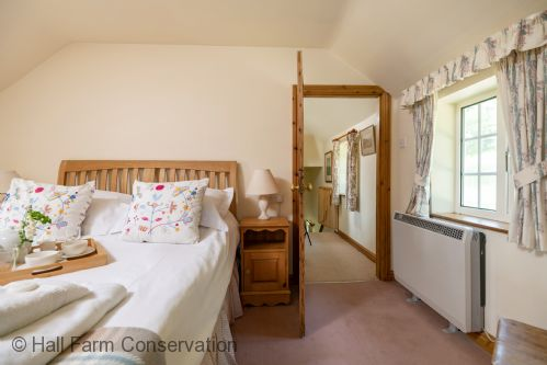 Upfront,up,front,reviews,accommodation,self,catering,rental,holiday,homes,cottages,feedback,information,genuine,trust,worthy,trustworthy,supercontrol,system,guests,customers,verified,exclusive,marris cottage,hall farm conservation,grimsby,,image,of,photo,picture,view