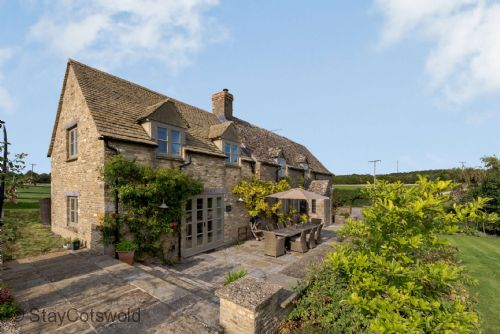 Rose Tree Cottage - StayCotswold