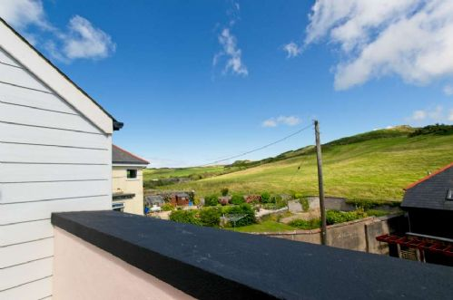 Upfront,up,front,reviews,accommodation,self,catering,rental,holiday,homes,cottages,feedback,information,genuine,trust,worthy,trustworthy,supercontrol,system,guests,customers,verified,exclusive,old bakery cottage,holiday home hunter,mortehoe,,image,of,photo,picture,view
