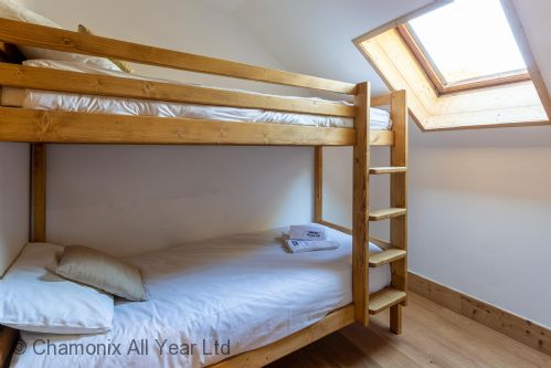 Bunk bedroom with ensuite bathroom