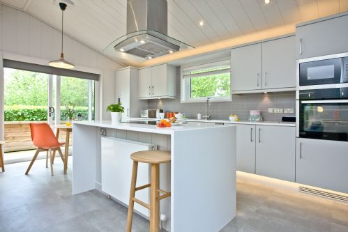 Upfront,up,front,reviews,accommodation,self,catering,rental,holiday,homes,cottages,feedback,information,genuine,trust,worthy,trustworthy,supercontrol,system,guests,customers,verified,exclusive,orchard lodge,strawberryfield park,cheddar,,image,of,photo,picture,view