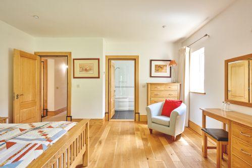 Seaview Apartment Main Bedroom