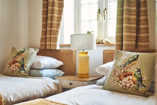 The Luxury Barn Twin Room
