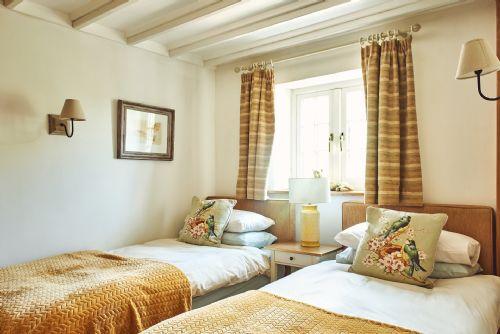 The Luxury Barn Twin Room 2