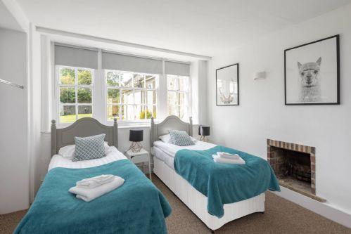 Beaufort House Bedroom 1