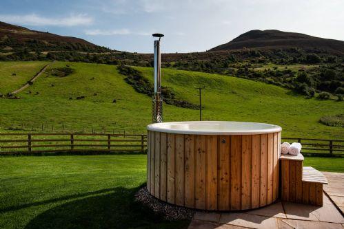 Melrose Cottage Hot Tub 2