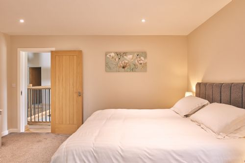 The Cowshed Bedroom 3