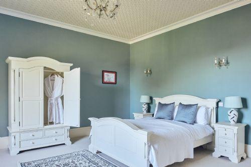 The Manor Bedroom 2