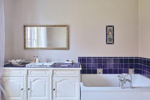 The Manor Bathroom 3