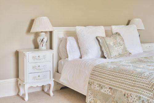 The Manor Bedroom 5
