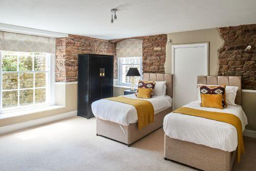 The Manor Bedroom 8
