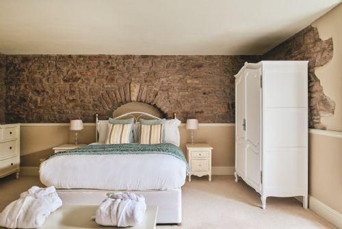 The Manor Bedroom 10