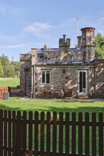 Albert Lodge Exterior 4