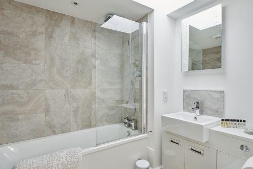 Flock Cottage Bathroom 1