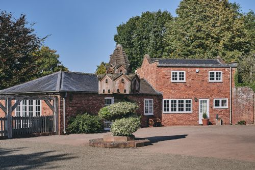 Flock Cottage Exterior