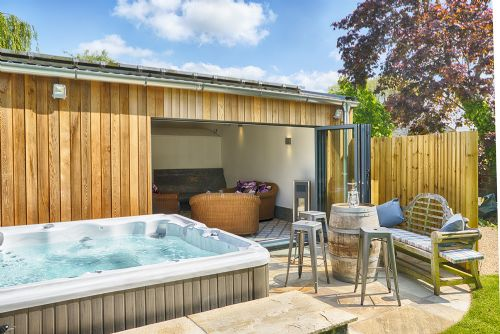 The Luxury Loft House Hot Tub