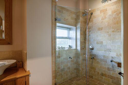 Smithy Cottage Shower 1