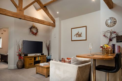 Smithy Cottage Living 4
