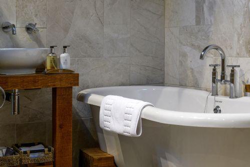 Fox Cottage Bathroom 3