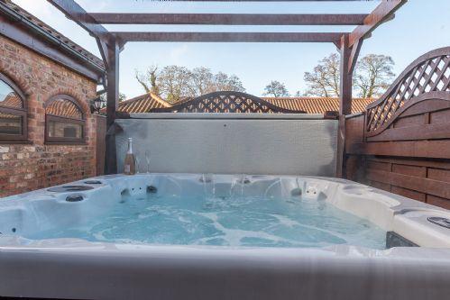 Fox Cottage Hot Tub