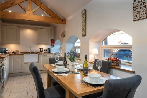 Fox Cottage Dining 3