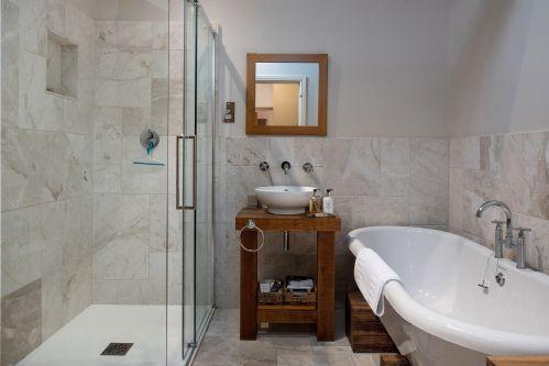 Fox Cottage Bathroom 8