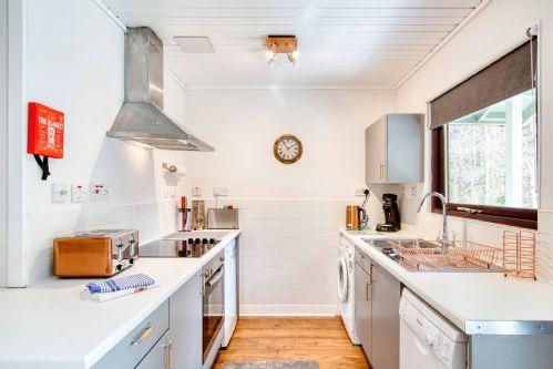 Ben More Cabin Kitchen