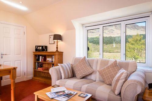 Glen View Cottage Living 2
