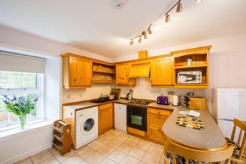 Glen View Cottage Kitchen 2