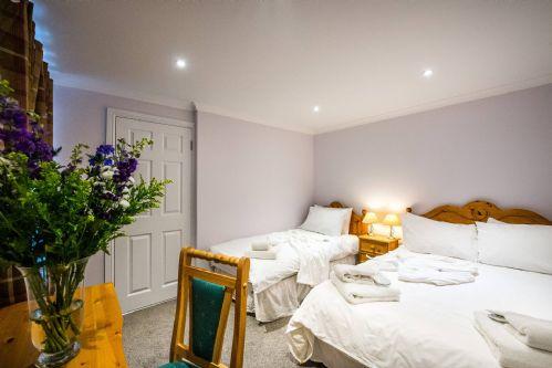 Glen View Cottage Triple Bedroom