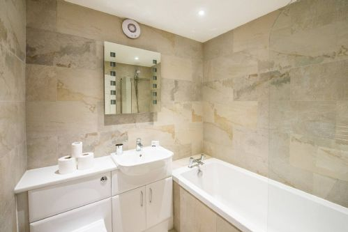 Glen View Cottage Bathroom