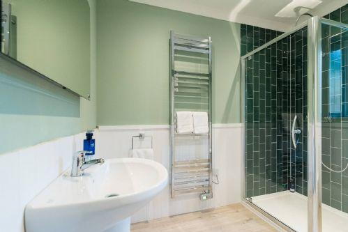 Pine Cabin Shower Room