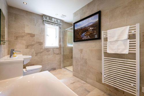 The Hunting Lodge Bathroom 1