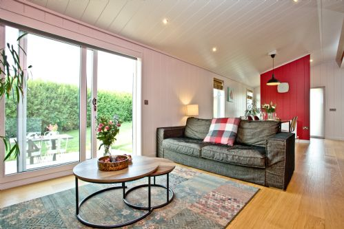 Upfront,up,front,reviews,accommodation,self,catering,rental,holiday,homes,cottages,feedback,information,genuine,trust,worthy,trustworthy,supercontrol,system,guests,customers,verified,exclusive,pomegranate,strawberryfield park,cheddar,,image,of,photo,picture,view