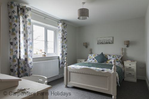Upfront,up,front,reviews,accommodation,self,catering,rental,holiday,homes,cottages,feedback,information,genuine,trust,worthy,trustworthy,supercontrol,system,guests,customers,verified,exclusive,the burrows,carpenters farm holidays,colchester,,image,of,photo,picture,view