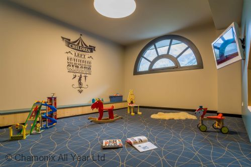 Bring the kids to enjoy this dedicated kids' play area