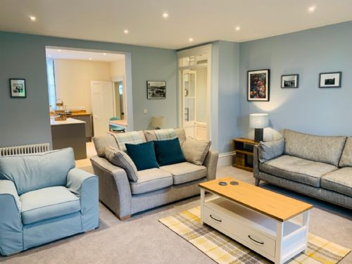 Upfront,up,front,reviews,accommodation,self,catering,rental,holiday,homes,cottages,feedback,information,genuine,trust,worthy,trustworthy,supercontrol,system,guests,customers,verified,exclusive,the garden flat,lyme regis accommodation,charmouth,,image,of,photo,picture,view