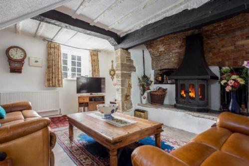 Farm House Cottage, Osmington.  Sleep 5 + 1 & Baby