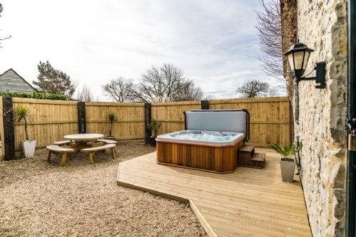 Upfront,up,front,reviews,accommodation,self,catering,rental,holiday,homes,cottages,feedback,information,genuine,trust,worthy,trustworthy,supercontrol,system,guests,customers,verified,exclusive,the granary,somerset country escape,taunton,,image,of,photo,picture,view