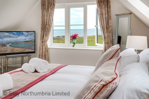 Upfront,up,front,reviews,accommodation,self,catering,rental,holiday,homes,cottages,feedback,information,genuine,trust,worthy,trustworthy,supercontrol,system,guests,customers,verified,exclusive,portland,stay northumbria limited,beadnell,,image,of,photo,picture,view