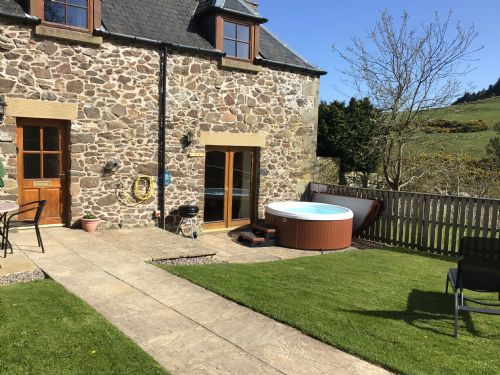 Upfront,up,front,reviews,accommodation,self,catering,rental,holiday,homes,cottages,feedback,information,genuine,trust,worthy,trustworthy,supercontrol,system,guests,customers,verified,exclusive,the old cart house,newhill farm cottages,cupar,,image,of,photo,picture,view