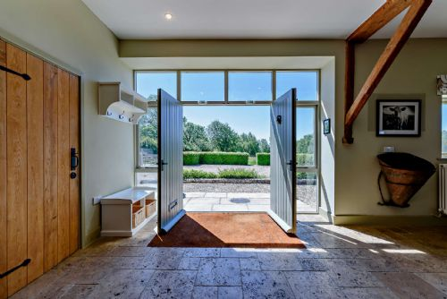 Upfront,up,front,reviews,accommodation,self,catering,rental,holiday,homes,cottages,feedback,information,genuine,trust,worthy,trustworthy,supercontrol,system,guests,customers,verified,exclusive,curlew barn,staycotswold,aston, near bampton,,image,of,photo,picture,view