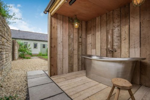 Upfront,up,front,reviews,accommodation,self,catering,rental,holiday,homes,cottages,feedback,information,genuine,trust,worthy,trustworthy,supercontrol,system,guests,customers,verified,exclusive,heron barn,staycotswold,aston, near bampton,,image,of,photo,picture,view